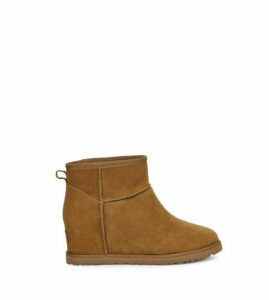UGG Women's Classic Femme Mini Boot in Chestnut, Size 9, Suede