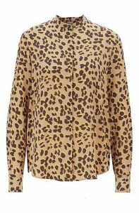 Relaxed-fit blouse in pure silk with animal print