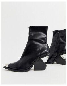 Jeffrey Campbell toecap mid heel boot-Black