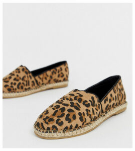 Truffle Collection wide fit leopard espadrille-Brown