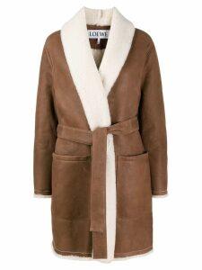 Loewe belted shearling coat - Brown