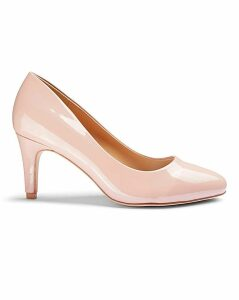Rhea Classic Court Shoe Wide Fit