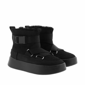 UGG Boots & Booties - W Classic Boom Buckle Black - black - Boots & Booties for ladies