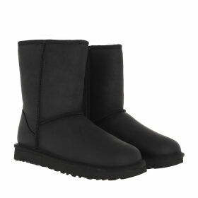 UGG Boots & Booties - W Classic Short Leather Black - black - Boots & Booties for ladies
