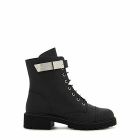 Giuseppe Zanotti 40 Black Leather Ankle Boots