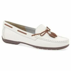 Charles Clinkard  Boat II Womens Moccasins  women's Loafers / Casual Shoes in White