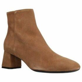 Geox  D SEYLA  women's Low Ankle Boots in Brown