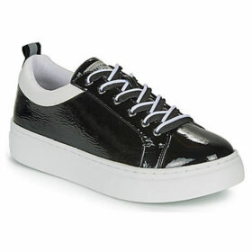 Chattawak  CAROLE  women's Shoes (Trainers) in Black