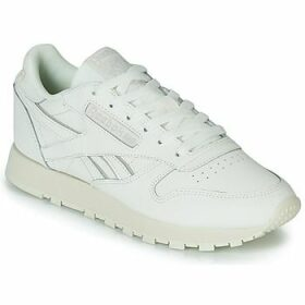 Reebok Classic  CL LTHR  women's Shoes (Trainers) in White