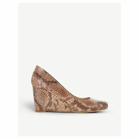 Anthee snakeprint wedge courts