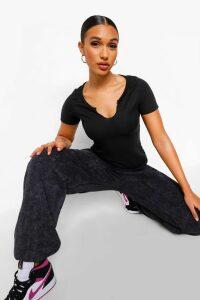 Womens Basic Rib Notch Front T-Shirt - black - 8, Black