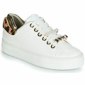 Elue par nous  FINECO  women's Shoes (Trainers) in White