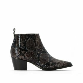 Chelsea Ankle Western Boots with Pointed Toe in Faux Snakeskin