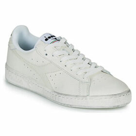 Diadora  GAME L LOW WAXED  women's Shoes (Trainers) in White