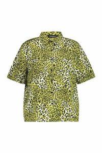 Womens Plus Neon Leopard Short Sleeve Shirt - green - 16, Green