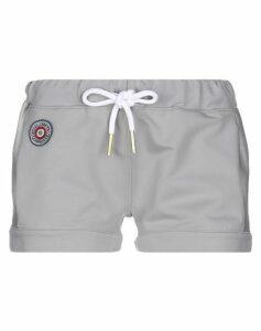 AERONAUTICA MILITARE TROUSERS Shorts Women on YOOX.COM