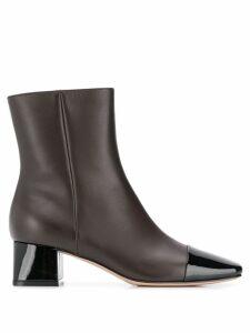 Gianvito Rossi cap toe boots - Brown