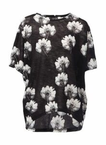 Womens *Izabel London Floral Print Slouchy T-Shirt- Black, Black