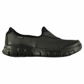 Skechers  Work Suretrack Shoes Ladies  women's Slip-ons (Shoes) in Black