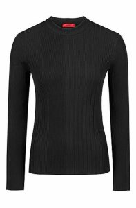 Slim-fit sweater in a ribbed knit