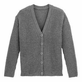 Buttoned Cardigan in Ribbed Chunky Knit