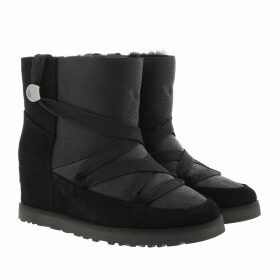 UGG Boots & Booties - W Classic Femme Lace-Up Black - black - Boots & Booties for ladies
