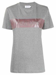 Calvin Klein metallic-band logo T-shirt - Grey