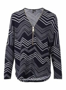 Womens *Izabel London Navy Zig Zag Zip Print Front Boxy Top- Navy, Navy