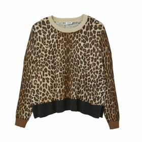 Round Neck Sweater in Fine Leopard Pattern