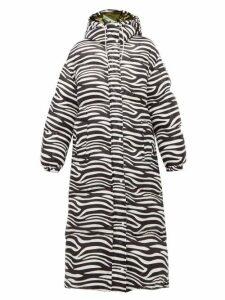 0 Moncler Genius Richard Quinn - Zebra Print Down Filled Hooded Coat - Womens - Black White