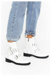Womens Hey Stud Lookin' Faux Leather Buckle Boots - white - 7, White