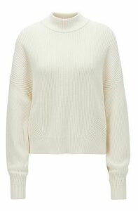 Relaxed-fit cropped sweater in a ribbed knit