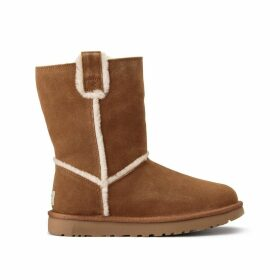 Short Spill Seam Classic Boots
