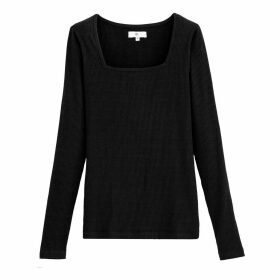 Square-Neck Long-Sleeved T-Shirt