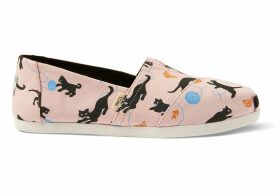 TOMS Strawberry Cream Kitties Canvas Women's Classics Ft. Ortholite Slip-On Shoes - Size UK8
