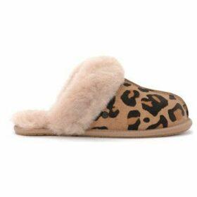 UGG  Ugg Scuffette II leopard leather slipper  women's Slippers in Beige