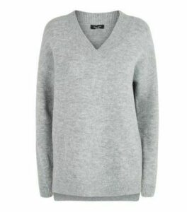 Petite Grey V Neck Longline Jumper New Look