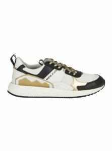 M.O.A. master of arts Futura Running Sneaker
