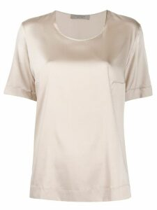 D.Exterior short-sleeved blouse - Neutrals