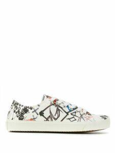Maison Margiela Tabi graffiti-print sneakers - White
