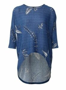 Womens *Izabel London Blue Dip Hem Top, Blue