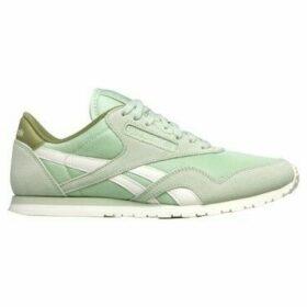 Reebok Sport  CL Nylon Slim Core Sagegreenchalk  women's Shoes (Trainers) in Green
