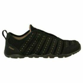 Reebok Sport  Zanchi Travel Blackoy  women's Shoes (Trainers) in Black