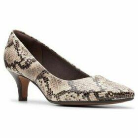 Clarks  Linvale Jerica  women's Court Shoes in Beige
