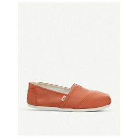 Seasonal Classic canvas shoes