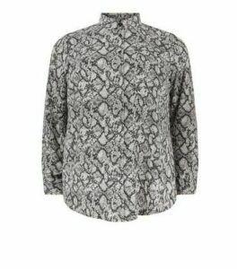 Curves Light Grey Snake Print Shirt New Look