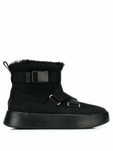 Ugg Australia strap fastened suede boots - Black