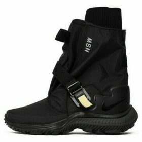 Nike  Wmns Gaiter Boot  women's Shoes (High-top Trainers) in Black