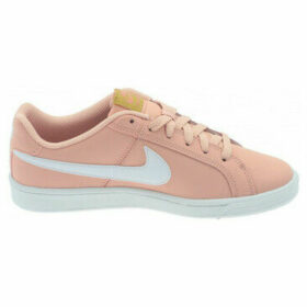 Nike  Women's  Court Royale Shoe 749867  women's Shoes (Trainers) in Pink