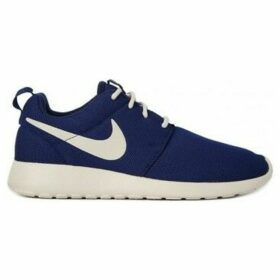 Nike  Roshe One  women's Shoes (Trainers) in multicolour